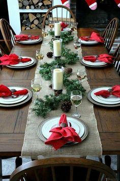a simple christmas table setting is perfect for a christmas at the cabin rusticdecorbar - Simple Christmas Table Decorations