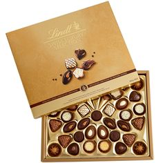 Swiss Luxury Selection 415g @Lindt_Chocolate @Lindt Chocolate #LindtTruffle @Influenster #RoseVoxBox