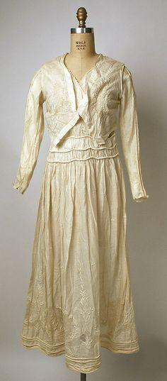 Dress (image 1)   Philippine   1912   cotton   Metropolitan Museum of Art   Accession #: C.I.37.55