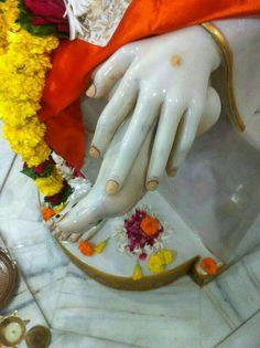 Sai Baba Miracles, Sai Baba Wallpapers, Baba Image, Om Sai Ram, Indian Gods, Ganesh, Krishna, Lord, Faith