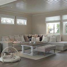 Harmonisk og pent hos #Repost @camilliion Salongbord fra @classicliving #classicliving #Dubaisalongbord140 #stue #interior #livingroom #salongbord #coffetable #drivved #interiorforyou #interiør #interior4all #interørinspirasjon #interiorandhome #interior #furniture #resirkulerttreverk #homedecor #homeandliving