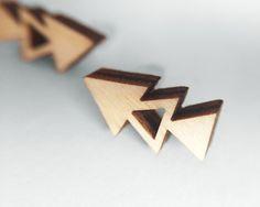 Geometric triangle earrings by Avonduren