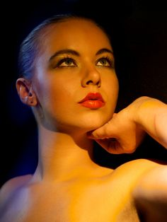 Photo Yellow light by Franz Fotografer on 500px  http://blog.franzfotografer.eu/2014/06/17/pagis-make-up-auf-flickr/ #FranzFotografer Studio #Roßhaupten - #Portraits, Ganz #Körperaufnahmen, #Fashion-Shootings,  #Paar-Shooting, #Familienaufnahmen #Hochzeitsfotografie im Allgäu #FranzFotografer #Hochzeitsfotograf #Hochzeitsfoto