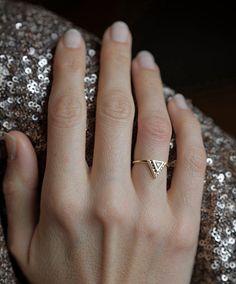 Bague de fiançailles avec Pave diamants, bague de mariage billion, 0,2 Carat Diamond BAnd or massif 18 carats de diamants par capucinne sur Etsy https://www.etsy.com/fr/listing/210803635/bague-de-fiancailles-avec-pave-diamants