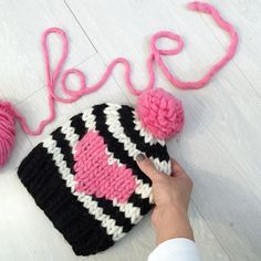 Idea for Saint Valentine's Day gift by Knitting For Kids, Loom Knitting, Knitting Projects, Crochet Projects, Knitting Patterns, Crochet Patterns, Crochet For Kids, Easy Knitting, Knitting Designs