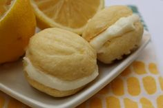 Melting Moments are my favorite cookies. I love anything lemony. What could be better than Lemon Melting Moments?