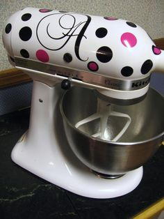 Personalized vinyl decal sticker for your mixer!  #Vinyl #Cooking