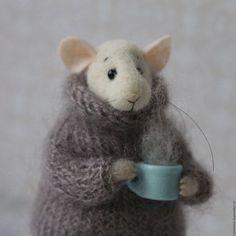 Игрушки животные, ручной работы. Ярмарка Мастеров - ручная работа. Купить Мышка с чашкой. Handmade. Мышка, Сухое валяние, подарок
