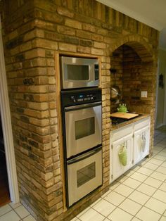 Tuscan design – Mediterranean Home Decor Kitchen Island With Stove, Rustic Kitchen Island, Kitchen Oven, Country Kitchen, Kitchen Brick, Casa Patio, American Kitchen, Mediterranean Home Decor, Kitchen Countertops