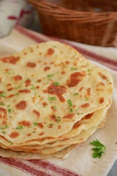 A perfect flatbread using only 3 ingredients, saving you time. Easy Flatbread Recipes, Homemade Flatbreads, Paratha Recipes, Bigger Bolder Baking, Sandwich Fillings, Sandwiches, Pizza, Healthy Baking, Recipes