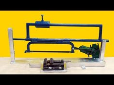 How to make a mechanical saw machine at home Woodworking Joints, Woodworking Workbench, Homemade Tools, Diy Tools, Power Saw, Furniture Hinges, Arduino Cnc, Handmade Wooden Toys, Metal Working Tools