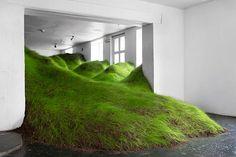 per kristian nygårdがオスロのギャラリーで草地景観を育てる TOKYO DESIGN WEEK 東京デザインウィーク