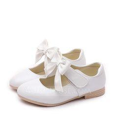 64b99d04c36c9  € Fille de Bout fermé similicuir talon plat Chaussures plates Chaussures  de fille de fleur avec Bowknot Velcro - JJ s House