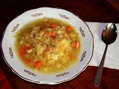 Sopa de calabacín, zanahoria y queso cheddar baja en calorías