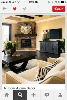 Free Home Design and Home Decoration Gallery. Color Ideas For Bathroom. Colors To Paint A Living Room. Home Design Gold. Decor Home. Ideas For Small Outdoor Patios. Home Living Room, Living Room Designs, Apartment Living, Apartment Furniture, Apartment Ideas, Bedroom Furniture, Cozy Apartment, Living Area, Basement Furniture