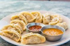 Chicken Momos Recipe (Delicious Steamed Chicken Dumplings) are a North East recipe and very popular in Tibet as well. Steamed Dumplings, Dumpling Recipe, Chicken And Dumplings, Healthy High Protein Meals, High Protein Recipes, Healthy Recipes, Healthy Soup, Chicken Momo Recipe, Ravioli
