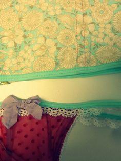 Bombacha juguetona Valance Curtains, Home Decor, Decoration Home, Room Decor, Home Interior Design, Valence Curtains, Home Decoration, Interior Design