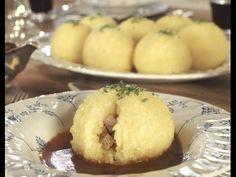 Burgis Geheimnis perfekter Kartoffelknödel - YouTube Burger, Muffin, Breakfast, Youtube, Food, Dumpling Recipe, Eat Right, Food Food, Morning Coffee
