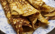 Snadné těsto na low carb palačinky z mascarpone Lowes, Low Carb, Keto, Ethnic Recipes, Food, Mascarpone, Waffles, Kuchen, Essen