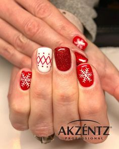 Amazing Red Snowflake Nails Design for Christmas Nails red The Cutest and Festive Christmas Nail Designs for Celebration Snowflake Nail Design, Snowflake Nails, Christmas Nail Art Designs, Christmas Decorations, Christmas Gel Nails, Holiday Nails, Nail Art Halloween, Acrylic Nail Designs, Acrylic Nails