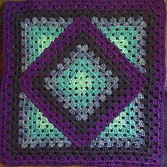 Squared diamond granny ~ k8 ~ ༺✿ƬⱤღ http://www.pinterest.com/teretegui/✿༻                                                                                                                                                                                 More