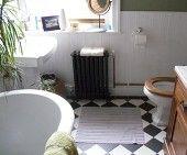 Cast Iron Radiators. Radiator Renovator. Sweet bathroom Victorian Radiators, Cast Iron Radiators, Victorian Bathroom, Bathroom Design Inspiration, Bathroom Designs, Classic Style, Sweet Home, Relax, Home Appliances