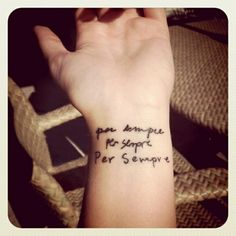 """My new tattoo. Mom dad and little bros handwriting. Per sempre """"for always"""" in Italian. [tattoo by taylor pietrini] aanniemal"""