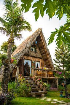 adorable farmhouse cottage design ideas and decor 34 Hut House, Tiny House Cabin, Tiny Houses, Farm House, Bamboo House Design, Tiny House Design, Tiny Log Cabins, Jungle House, Log Cabin Designs