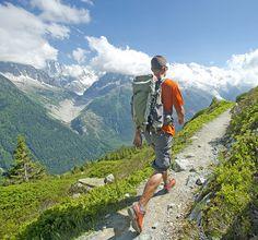 Het sportlabel Salomon is in 1947 ontstaan in de Franse Alpen. De passie voor bergsporten maakt Salomon tot een expert op het gebied van running, hiking, climbing, alpineskiën, langlaufen en snowboarden. Plus dat ze de meest hippe en professionele accessoires brengen.