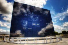 The E Mirror Memorial At Kennedy Center