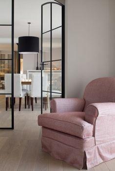 White & Grey Memories: Un loft rural Room Interior Design, Interior Styling, Living Room White, Closet Bedroom, Master Bedroom, Steel Doors, Windows And Doors, Steel Windows, Cool Rooms