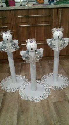 21 Christmas Porch Decoration Ideas - Best of DIY Ideas Christmas Angel Ornaments, Handmade Christmas Decorations, Christmas Porch, Christmas Centerpieces, Christmas Crafts For Kids, Christmas Art, Christmas Projects, Holiday Crafts, Angel Crafts
