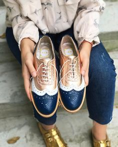 Women's handmade shoes Source by yvettepuliga women shoes Oxford Shoes Outfit, Women Oxford Shoes, Dress Shoes, Mens Fashion Shoes, Fashion Outfits, Womens Fashion, Fasion, Quirky Shoes, Buy Shoes Online