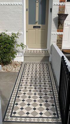 Victorian Front Garden, Victorian Front Doors, Victorian Tiles, Victorian Gardens, Victorian Terrace, Victorian Hallway, Victorian London, Victorian Houses, Front Door Paint Colors
