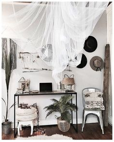 Hat Wall, hats wall, Source by pouzolcharlotte Decoration Inspiration, Interior Inspiration, Home Bedroom, Bedroom Decor, Home And Deco, New Room, Country Decor, Home Interior Design, Sweet Home