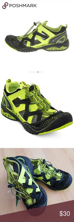 Jambu water/adventure shoes New with tags. Shoes Water Shoes