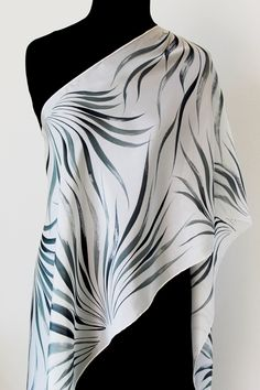 BLACK WHITE long silk SCARF handpainted - Japanese oriental style Sumi-e pure silk stole hand painted - Elegant dressy scarf - Gift for her Hand Painted Sarees, Hand Painted Fabric, Dress Painting, Silk Painting, Oriental Fashion, Oriental Style, Black And White Scarf, Black White, Fabric Paint Designs