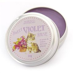 Cream with a wonderful aroma of violets. The cream can be used as a hand cream, but also as lip balm.