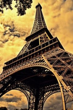 Eiffel Tower, Paris France would love to go here for my honeymoon :)