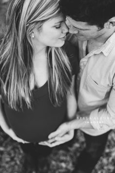 Digital Cameras and Photography Shopping Tips for Electronics Consumers lovely maternity couple – shoot from above Maternity Photography Poses, Maternity Poses, Maternity Portraits, Family Photography, Photography Ideas, Wedding Photography, Couple Maternity Photos, Children Photography, Winter Maternity Pictures
