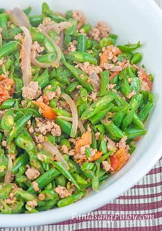 Ginisang Baguio Beans with Pork is a simple dish consisting of fresh green beans, tomato, and ground pork. Green beans are known as Baguio beans in the Philippines; this has something to do with the place where green beans are commonly grown.
