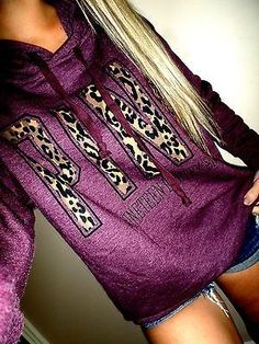 Victoria Secret PINK oversized fit leopard print graphics maroon ... indulgy.com300 × 400Search by image Victoria Secret PINK oversized fit leopard print graphics maroon hoodie euc XS/S by diana