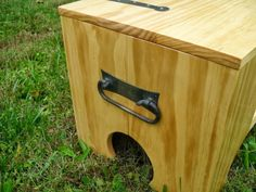 I Can't Believe What's Hiding Inside This Little Wooden Box. - http://www.lifebuzz.com/secret-box/