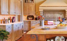 Arredamento in stile provenzale - Le superfici della cucina provenzale