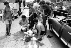 31 Pictures That Show Just How Crazy Woodstock Really Was