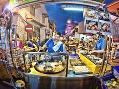 Find the unique foods here, at Jonker Walk, Malacca