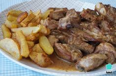 Receta de Costillas de cerdo en salsa de vino blanco - Paso 8 Lechon, Spanish Food, Spanish Recipes, I Foods, Pesto, Tapas, Pork, Cooking Recipes, Menu
