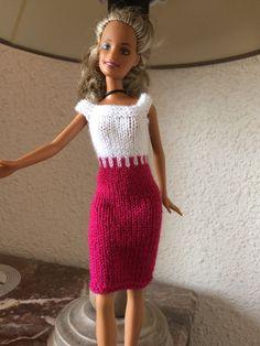 Barbie Clothes Patterns, Crochet Barbie Clothes, Doll Dress Patterns, Clothing Patterns, Barbie Knitting Patterns, Knitting Dolls Clothes, Knitted Dolls, Doll Clothes, Habit Barbie