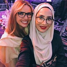 What a night! Ending on matching scarves with the stunning Nadine 😍👯 Thanks to @specsavers for having me and for supporting Kidscape - a brilliant charity working to end child bullying. #loveglasses