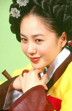 Ladies of the Palace (Hangul:여인천하) is a 2001 South Korean historical television series starringJeon In-hwaandKang Soo-yeon.  It aired onKBS2 for 150 episodes. Chung Nanjeong was aKorean politician and philosopher. She was a concubine and became the 2nd wife ofYun Won-hyung,Prime ministerand 13th KingMyeongjong's uncle. 옥매향 박주미